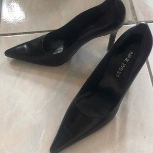 Nine West pointed black heels 6.5